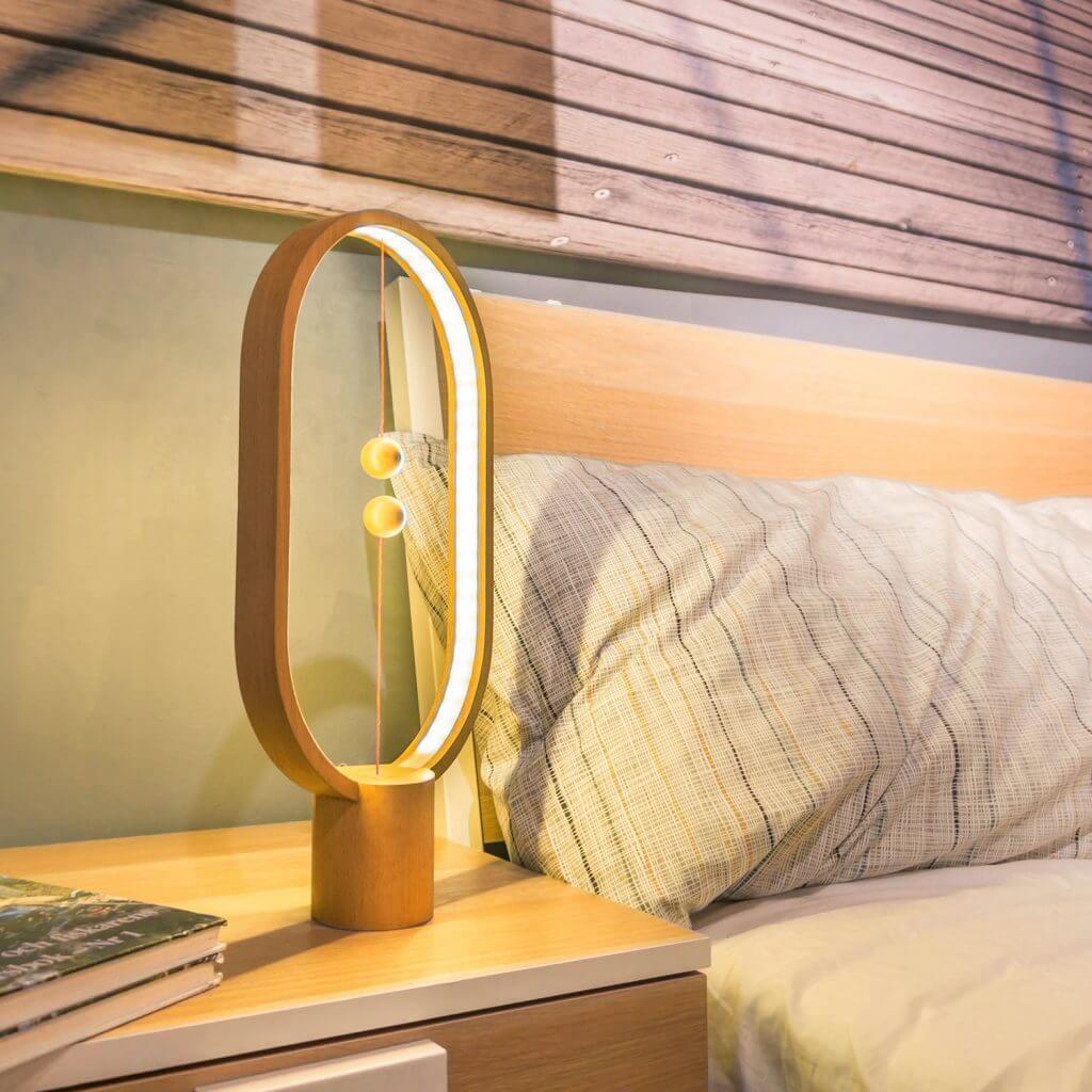 Lampe de table elipse Heng Balance bois naturel