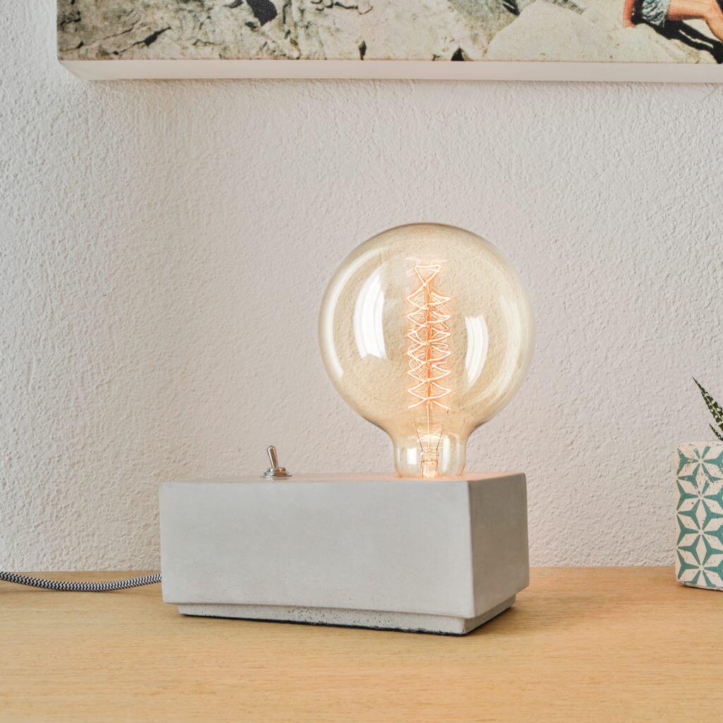 Lampe de table en béton avec interrupteur vintage