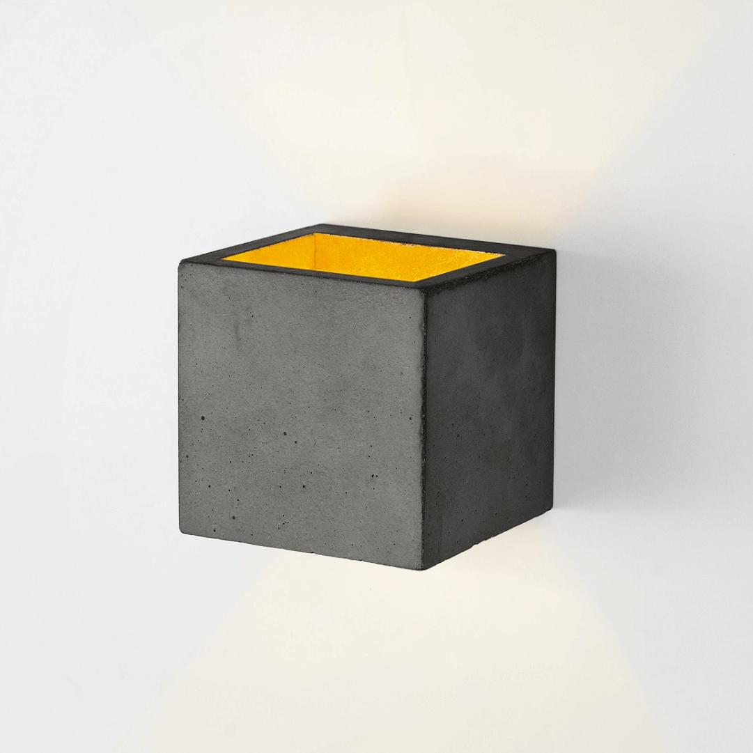 Wandleuchte [B3] aus Beton schwarz und gold GANTLights