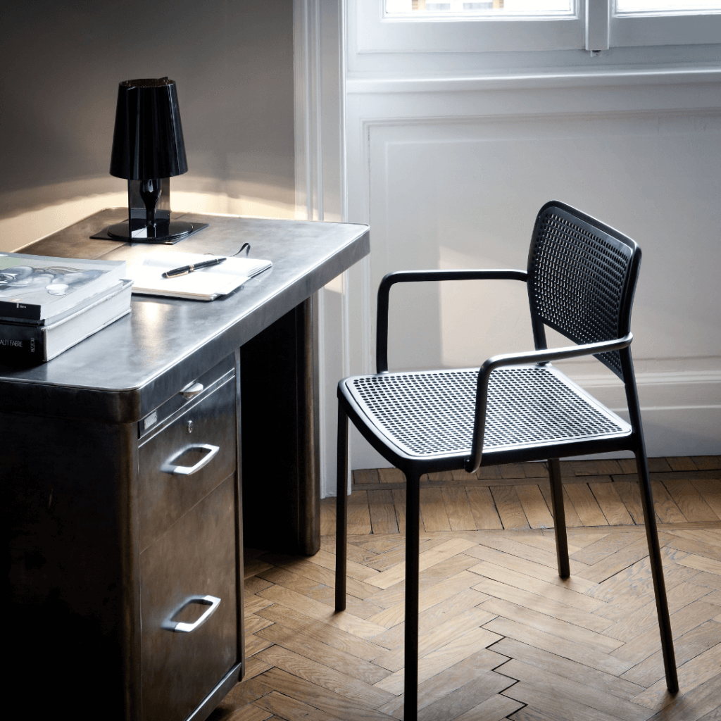 Lampe de table TAKE noire - Kartell