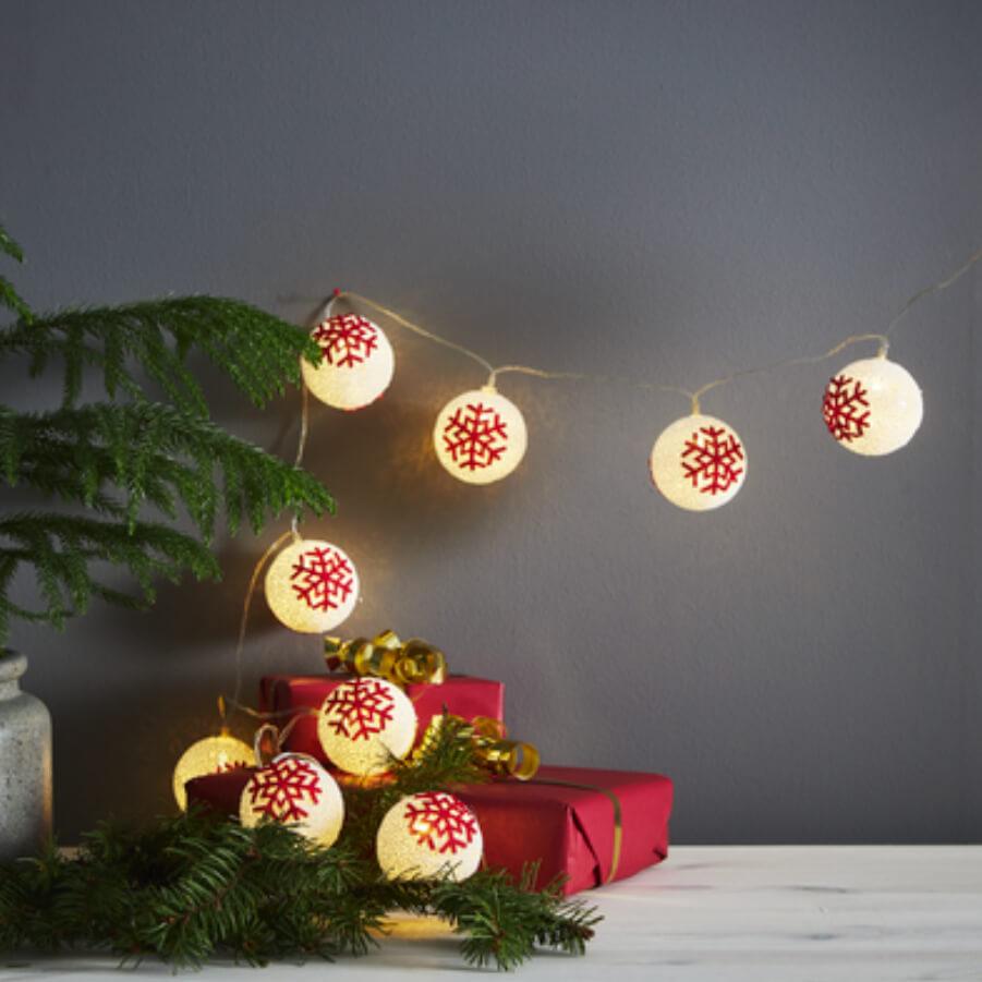 Guirlande LED givrée avec flocons